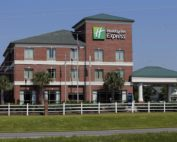 Holiday Inn Express – Leland